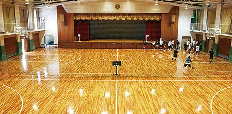 体育館兼講堂